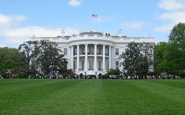 My postcard shot of the White House.