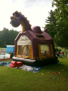 See? There's really a moonbounce!